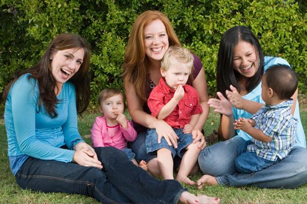 ¿Quien cuida a las madres?  Las madres con mayor apoyo social tienen una mejor salud mental