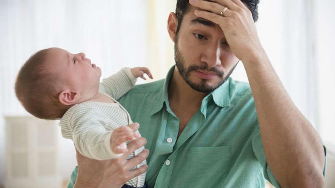 Los padres con depresión perinatal no reciben la ayuda que necesitan
