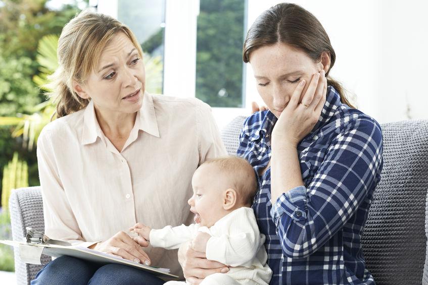 La atención a las madres con problemas de salud mental en Reino Unido: una prioridad
