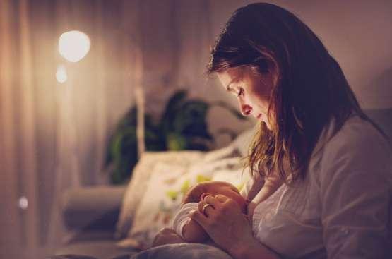 La lactancia materna ayuda a proteger a los bebés frente al coronavirus